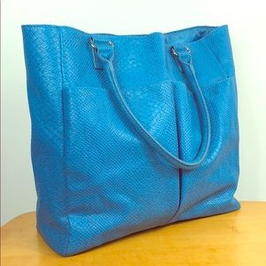 Neiman Marcus 💙 Large Blue Snakeskin Embossed Bag